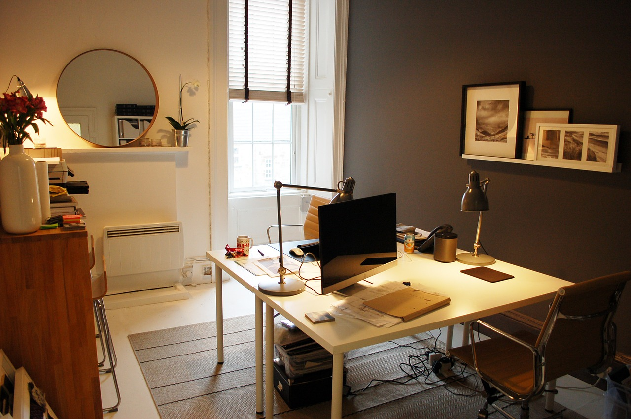 small-office-1034921_1280